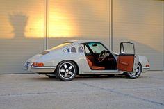 Dutchmann's 1968 Porsche 912 Weekend Racer at the Kalahari Speedweek. Porsche 912, Porsche 911 Classic, Porsche Carrera, Porsche Cars, Porsche Models, Ferdinand Porsche, Vintage Porsche, Vintage Cars, Classic Sports Cars