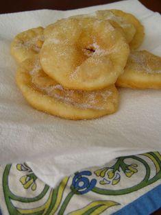 Tortas Fritas---Se puede usar la misma masa sin azúcar para pastelitos.