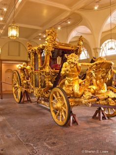 Gold Stage Coach, Royal Mews, Buckingham Palace - ID: 9018385 © Sharon E Lowe