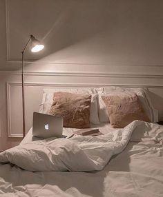 Room Ideas Bedroom, Home Bedroom, Bedroom Decor, Bedrooms, Aesthetic Room Decor, Dream Apartment, Cozy Room, Dream Home Design, Dream Rooms