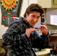 Images from the series – 983 photos – Funny Memes Friends Tv Show, Serie Friends, Friends Cast, Friends Moments, Friends Forever, Ross Friends, Funny Moments, Ross Geller, Phoebe Buffay