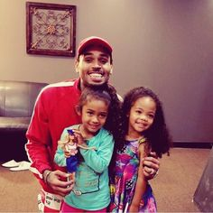 So cute 🤧❤️; Chris Brown Outfits, Chris Brown Style, Beautiful Babies, Beautiful Men, Chris Brown Daughter, Father And Baby, Baby Daddy, Baby Boy, Chris Brown And Royalty