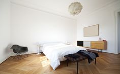 Witte kamer met parket