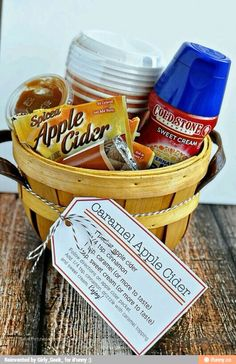 DIY Gifts : Perfect for fall – Caramel Apple Cider Kit with Printables from www. Fall Gifts, Holiday Gifts, Fall Teacher Gifts, Thanksgiving Teacher Gifts, Halloween Teacher Gifts, Halloween Gift Baskets, Christmas Gifts, Homemade Christmas, Holiday Treats