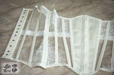 Купить Прозрачный бельевой корсет удлиненный из сетки и кружева с бюском - белый, корсет, корсет утягивающий