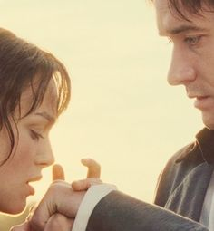 Pride and Prejudice Really Good Movies, Pride And Prejudice 2005, Jane Austen Books, Matthew Macfadyen, Go To Movies, Movie Couples, Historical Romance, Period Dramas, Love And Marriage