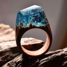 まるでスノードーム。幻想的な風景が作り出されたハンドメイド指輪 | ARTIST DATABASE