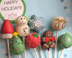 Snowman, snowflake, joy, gingerbread and other holiday cake pops by Cupcakes Take The Cake Christmas Cake Pops, Christmas Sweets, Christmas Goodies, Christmas Baking, Christmas Tree, Xmas, New York Cake, New Cake, Cupcakes