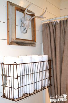 DIY Bathroom Decor Ideas - Vintage Metal Basket Towel Rack - Cool Do It Yourself Bath Ideas on A Budget Rustic Bathroom Fixtures Creative Wall Art Rugs Mason Jar Accessories and Easy Projects Rustic Bathroom Fixtures, Rustic Bathrooms, Diy Bathroom Decor, Diy Home Decor, Bathroom Ideas, Small Bathrooms, Bathroom Hacks, Wall Fixtures, Modern Bathroom