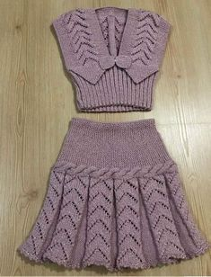 Girls Knitted Dress, Knit Baby Dress, Knitted Baby Clothes, Baby Knitting Patterns, Lace Knitting, Knitting Designs, Baby Sweaters, Sweaters For Women, Smocked Baby Dresses