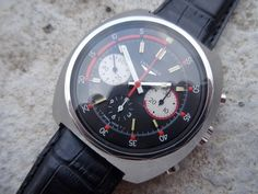 Longines Divers Valjoux 72 Chronograph from 1968. Manual winding. Movement: Valjoux 72. 17 Jewels. Frequency: 18000 A/h. Dimension: 43x45 mm.