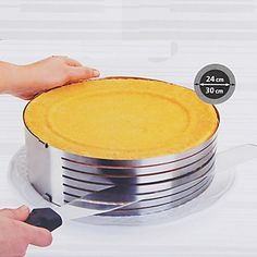 Flexible Round Baking Mold, Metal Diameter 26-30cm Height 9cm - USD $ 12.99