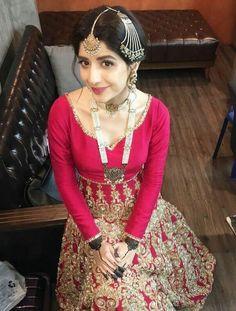 Shivu i miss u Bridal Mehndi Dresses, Bridal Dress Design, Bridal Lehenga, Pakistani Dresses, Bridal Style, Bride Sister, Designer Party Wear Dresses, Pakistani Actress, Trendy Dresses