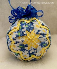 Yellow and Blue and White Daisies Quilted by Darlene of MyPrairieCreations Folded Fabric Ornaments, Quilted Christmas Ornaments, Handmade Ornaments, Diy Christmas Ornaments, How To Make Ornaments, Christmas Crafts, Christmas Decorations, Christmas Ideas, Christmas Favors