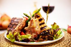 Food photography by Marta Gillner Japchae, Natural Light, Steak, Food Photography, Beef, Ethnic Recipes, Meat, Steaks