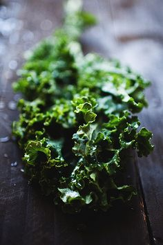 One cup of kale contains 36 calories, 5 grams of fiber, and 15% of the daily requirement of calcium and vitamin B6, 40% of magnesium, 180% of vitamin A, 200% of vitamin C, and 1,020% of vitamin K. It is also a good source of minerals copper, potassium, iron, manganese, and phosphorus.