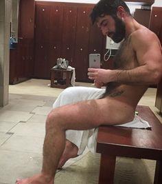"""hairyfellaz: """" temporada-de-caza: """"  TEMPORADA-DE-CAZA: Hairy Men-Beard-Tattoo """" ❤️💙😜🐻🤗 that beard!!! """""""