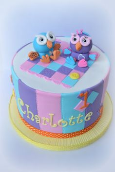 Two little characters from a kids show here in Australia.  This is 'Hoot' and his little lady friend 'Hootabelle'.  Was for a one yr old's birthday with matching cupcakes