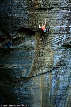 Sasha DiGiulian on Pure Imagination  (5.14c) The Chocolate Factory #rrg