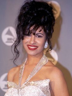 Selena Hologram to Record and Tour, Late Singer's Family Says http://www.people.com/article/selena-hologram-record-tour