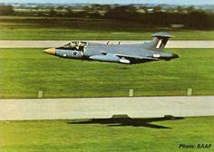 Blackburn Buccaneer, South African Air Force, Aircraft Images, Battle Rifle, Air Force Aircraft, Boat Design, Aviation Art, Air Show, War Machine