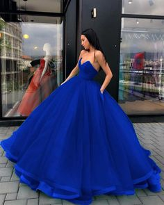 Sweet Quinceanera Gown Royal Blue/Burgundy Sweetheart Corset Debutante Dresses for Girls Pretty Quinceanera Dresses, Pretty Prom Dresses, Homecoming Dresses, Beautiful Dresses, Bridesmaid Dresses, Big Dresses, Royal Blue Prom Dresses, Quince Dresses, Sweet 16 Dresses Blue