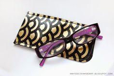 DIY: Fishscale-Patterned Eyeglasses Case