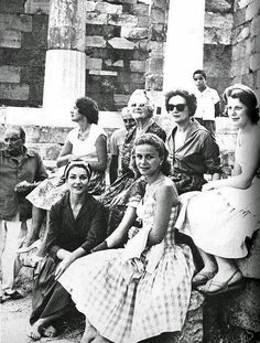 A photo of Maria Callas in Greece,her homeland in with Tina Onassis, Lady Churchill and Giovanni Battista Meneghini in Delphi. Maria Callas, Old Photos, Vintage Photos, Aristotle Onassis, Greece Photography, Greek Culture, Opera Singers, Famous Photographers, Photo Archive