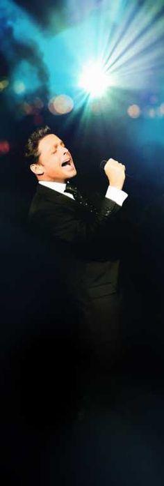 Luis Miguel... El mejor cantante de México en muchos años. No sé qué sería de la música en español sin él.