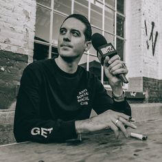 Discovered by Iggy Azalea/G-Eazy. Find images and videos about mtv and g-eazy on We Heart It - the app to get lost in what you love. G Eazy Style, Iggy Azalea, Social Club, Anti Social, Hypebeast, Mtv, Che Guevara, Hip Hop, Menswear