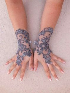 11 Adorable Wedding Gloves Ideas to Glam Up Your Wedding Day Style Style Wedding gloves are a timeless wedding trend, it's not used only to make your hands warmer but it becomes a … Lace Cuffs, Lace Gloves, Fingerless Gloves, Bridal Accessories, Fashion Accessories, Wedding Gloves, Fru Fru, Lace Jewelry, Jewellery