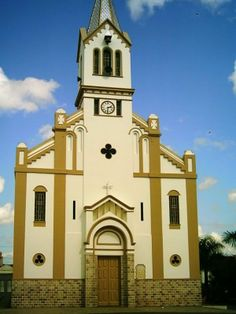 Igreja Matriz de Nossa Senhora Santana Cidade Simão Dias  Church of Our Lady Santana City Simão Dias
