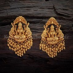 Antique Earring 108521 Indian Jewelry Earrings, Gold Jhumka Earrings, Jewelry Design Earrings, Gold Earrings Designs, Antique Earrings, Designer Earrings, Pearl Necklace Designs, Antique Jewellery Designs, Gold Jewelry Simple