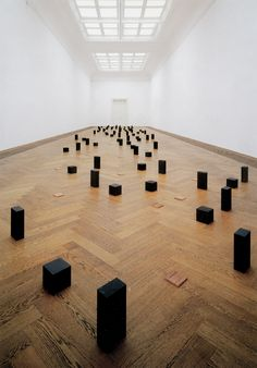 Photos d'art minimaliste  Pictures of minimalist Art  Carl Andre
