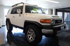 2014 Toyota FJ Cruiser 4WD AT - $33,433