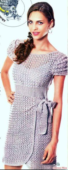 Красивое нарядное платье-очень интересный узор.