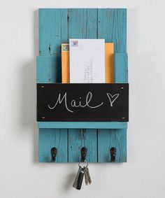 Another great find on Chalkboard Three-Hook Mail Slot by Drakestone Designs Pallet Crafts, Pallet Projects, Home Projects, Mail Holder, Key Holders, Mail And Key Holder, Diy Key Holder, Wooden Key Holder, Entryway Organization