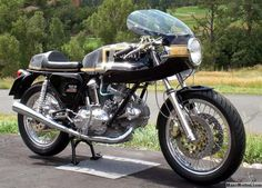 Ducati_750_Sport_special_2.jpg