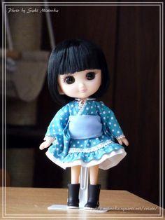 くのいちのおでこちゃんにストレートボブウィッグをかぶせてみる。  ヤバい!清楚で可愛過ぎる!! #でこニキ #doll