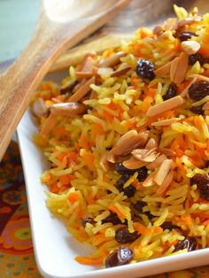 Rosh Hashanah Carrot and Raisin Basmati Rice Replace water with chicken stock season to taste Kosher Recipes, Cooking Recipes, Rice Recipes, Jewish Recipes, Mets, Rice Dishes, Vegetarian Recipes, Delicious Recipes, Healthy Recipes