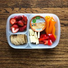 On my way to clinical bright & early // bell pepper + crackers + cheese slices +. - Yummy Recipes On my way to clinical bright & early // bell pepper + crackers + cheese slices +. Lunch Meal Prep, Healthy Meal Prep, Healthy Foods To Eat, Healthy Eating, Healthy Recipes, Healthy Vegetarian Lunch Ideas, Yummy Recipes, Healthy Lunches, Lunch Time