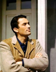 Le sigh, Gregory Peck Old Hollywood Stars, Old Hollywood Glamour, Hollywood Actor, Golden Age Of Hollywood, Vintage Hollywood, Classic Hollywood, Hollywood Cinema, Hollywood Actresses, Gregory Peck
