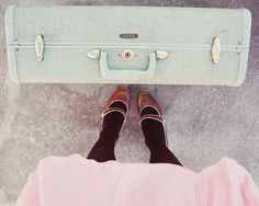 i love old suitcases! and this one is my fav mint green! (or at least the photo makes it look so)