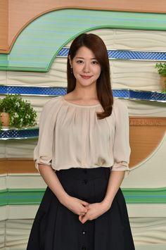 Tbs News, Nhk, Professional Attire, Japanese Beauty, Cute Girls, Sexy Women, Bell Sleeve Top, Tulle, Lady