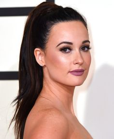 Grammys 2016: The Best Beauty Looks of the Night | People - Kacey Musgraves' Kylie Lip Kit-esque matte lip