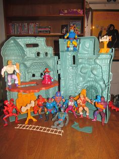 11 Masters of the Universe action figures found INCLUDED inside of Castle Greyskull... all for 2.99!!! At Goodwill!!!
