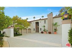 This home located at 903 N Hartford Way, Beverly Hills, CA embodies all the glamour of a Beverly Hills lifestyle!