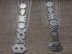 Senlatviešu septiņu zīmju kaklarotas