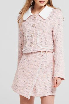 Joan Cropped Tweed Jacket Discover the latest fashion trends online Style Année 90, Looks Style, Preppy Style, 90s Fashion, Vintage Fashion, Fashion Outfits, Womens Fashion, Petite Fashion, Pink Fashion