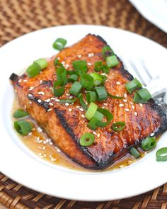 Toasted Sesame Ginger Salmon  http://abitchinkitchen.blogspot.ru/2013/03/toasted-sesame-ginger-salmon.html